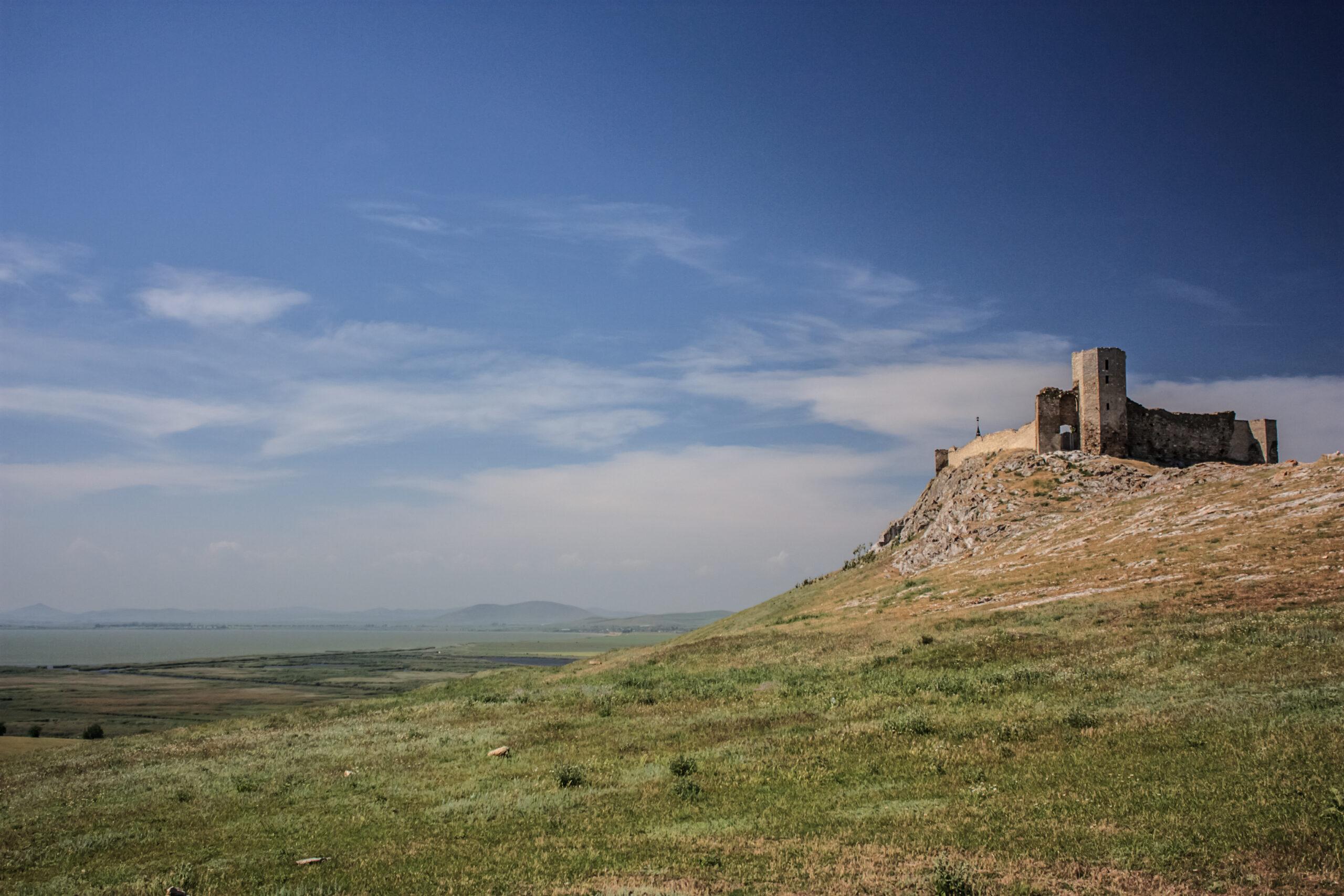 Obiective turistice Dobrogea- Cetatea Enisala